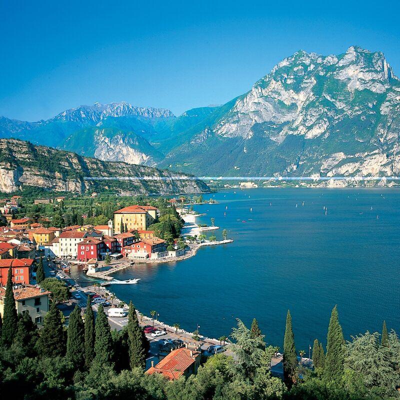 Туристическое агентство ИрЭндТур Автобусный тур по Европе с отдыхом на море «Италия Люче» - фото 1