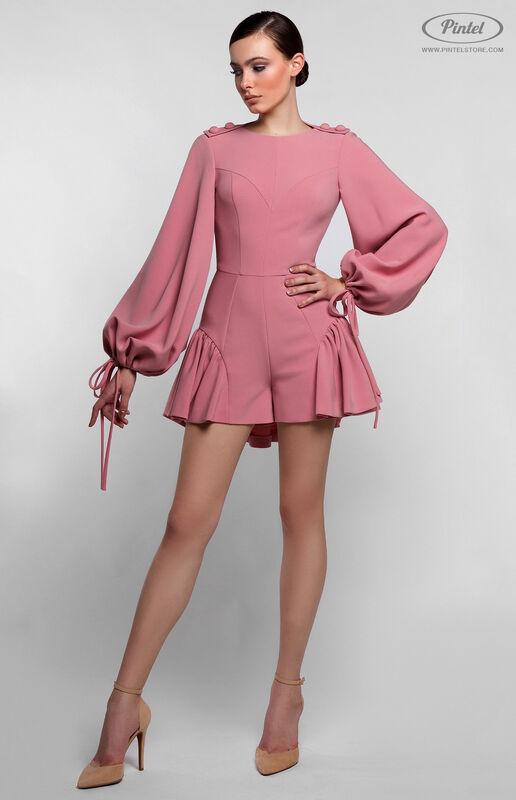 Брюки женские Pintel™ Нежно розовый мини-комбинезон-шорты с воланами по низу NAZENGA - фото 2