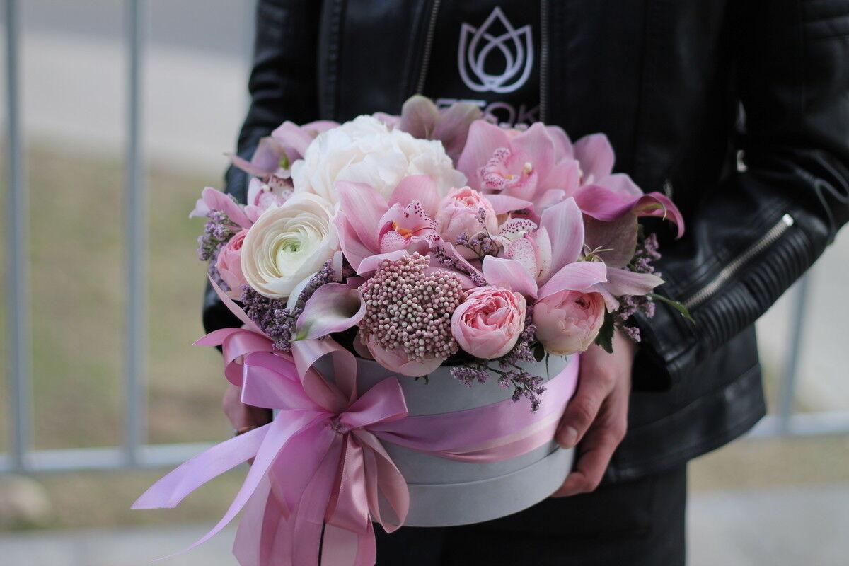 Магазин цветов Cvetok.by Коробочка «Нежный бархат» - фото 1