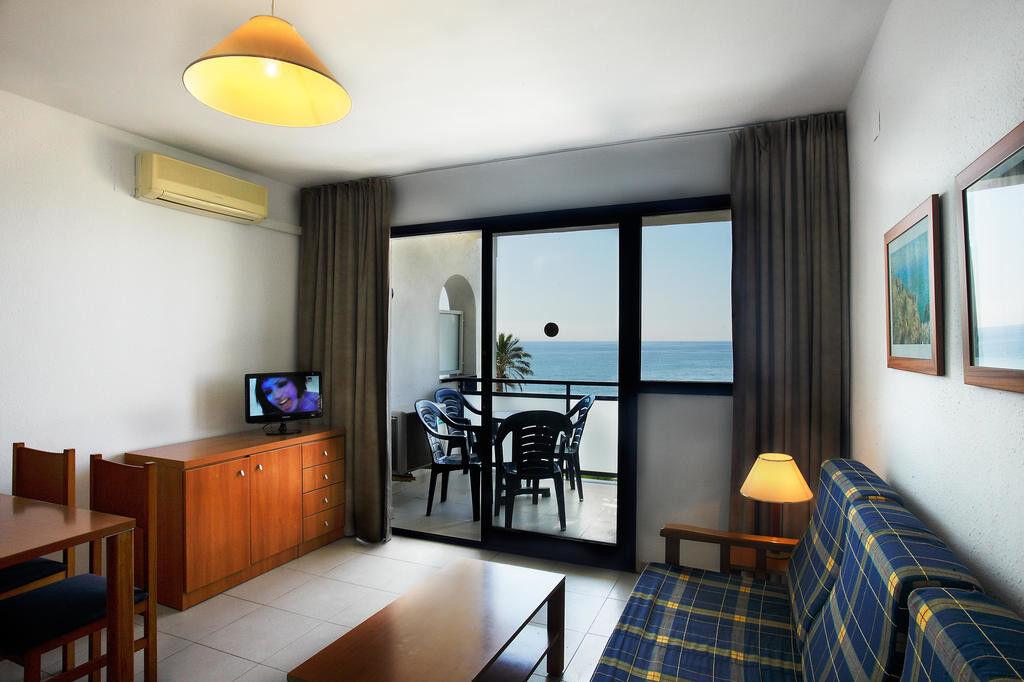 Туристическое агентство Санни Дэйс Пляжный авиатур в Испанию, Коста Дорада, Pins Platja Aparthotel Cambrils 2* - фото 1