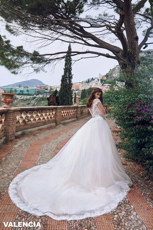 Свадебный салон Bonjour Galerie Свадебное платье VALENCIA из коллекции BELLA SICILIA - фото 1