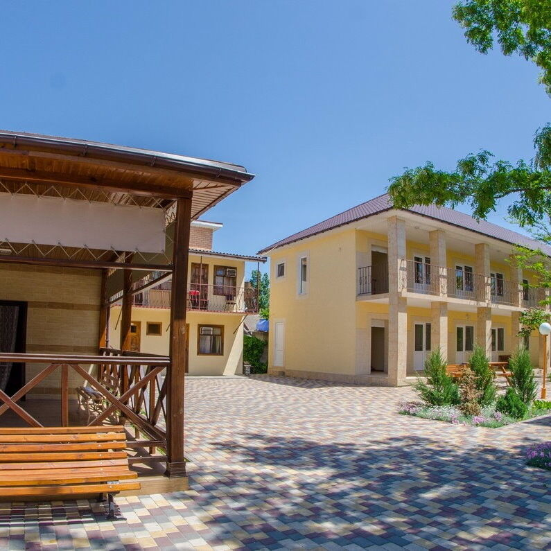 Туристическое агентство ТиШ-Тур Пляжный автобусный тур в Украину, Затока, база отдыха «Приморская 25» - фото 1