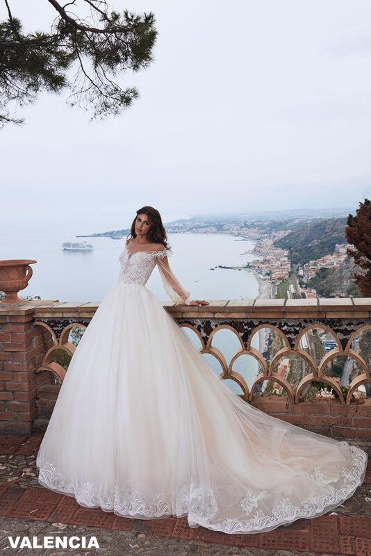Свадебный салон Bonjour Galerie Свадебное платье VALENCIA из коллекции BELLA SICILIA - фото 2