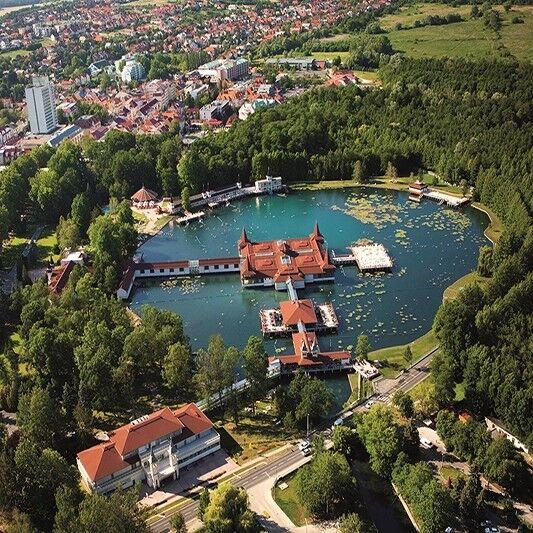 Туристическое агентство АдорияТурСервис Оздоровительный тур в Венгрию, Хевиз, Europa Fit Superior 4* - фото 1
