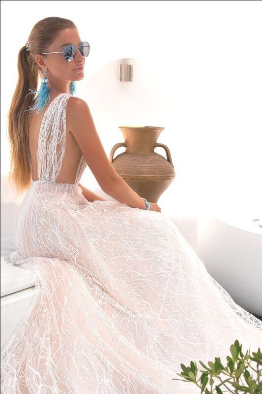 Свадебное платье напрокат Rafineza Свадебное платье Sandra Santorini напрокат - фото 2