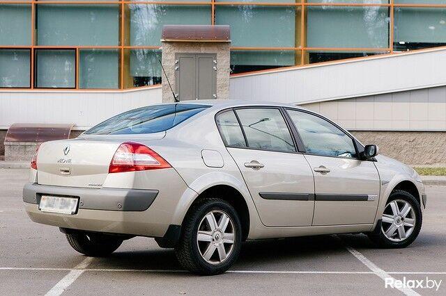 Прокат авто Renault Megane АКПП - фото 2