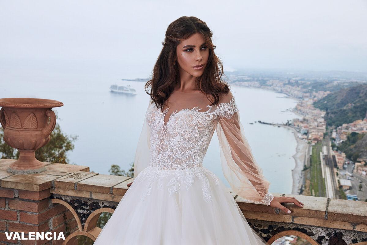 Свадебный салон Bonjour Galerie Свадебное платье VALENCIA из коллекции BELLA SICILIA - фото 4
