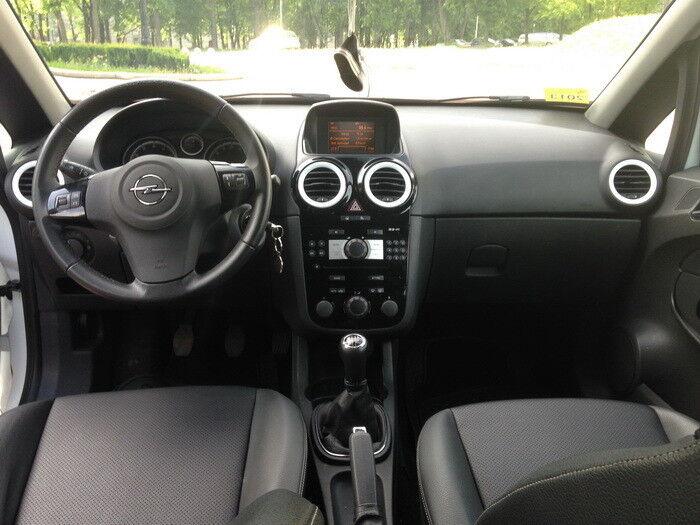 Аренда авто Opel Corsa White Limited Edition - фото 4