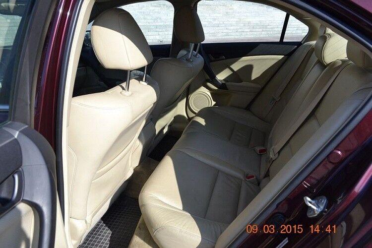 Аренда авто Acura TSX вишневого цвета - фото 5