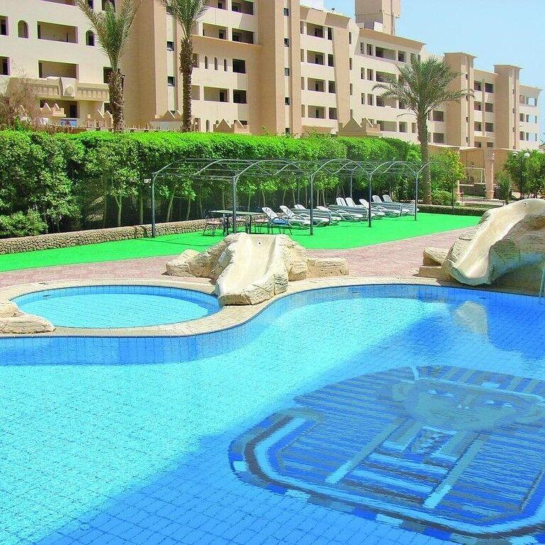 Туристическое агентство Айкью групп Пляжный авиатур в Египет, Хургада, King Tut Aqua Park Beach Resort 4* - фото 1