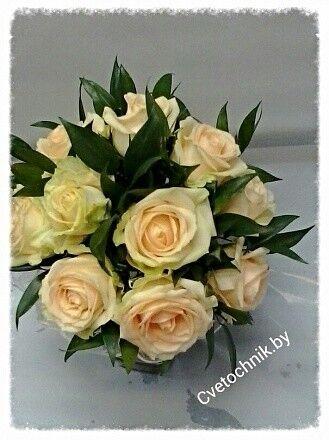 Магазин цветов Цветочник Букет невесты из кремовых роз - фото 1