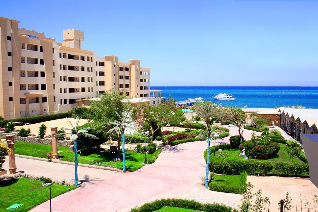 Туристическое агентство Кросс тур Пляжный авиатур в Египет, Хургада, King Tut Aqua Park Beach Resort 4* - фото 3