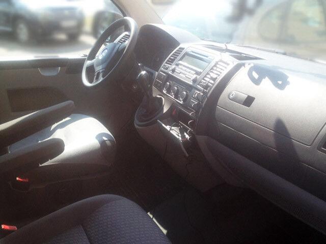 Прокат авто Volkswagen Caravella T5 - фото 4
