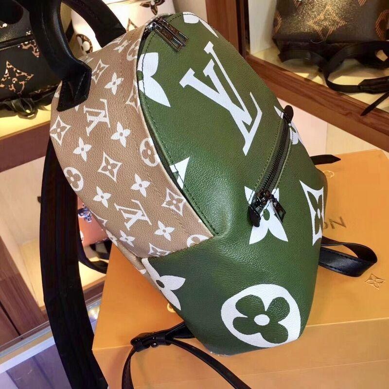 Магазин сумок Louis Vuitton Рюкзак женский - фото 1