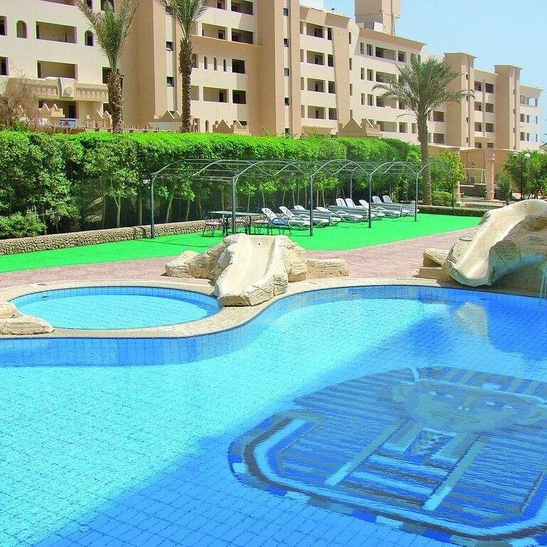 Туристическое агентство Кросс тур Пляжный авиатур в Египет, Хургада, King Tut Aqua Park Beach Resort 4* - фото 1