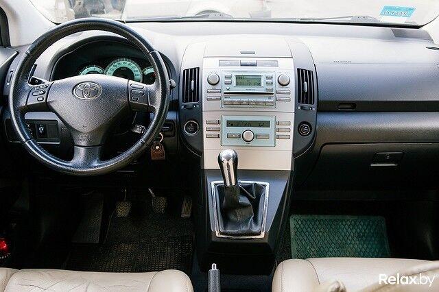 Прокат авто Toyota Corolla Verso 2008 г.в. - фото 5