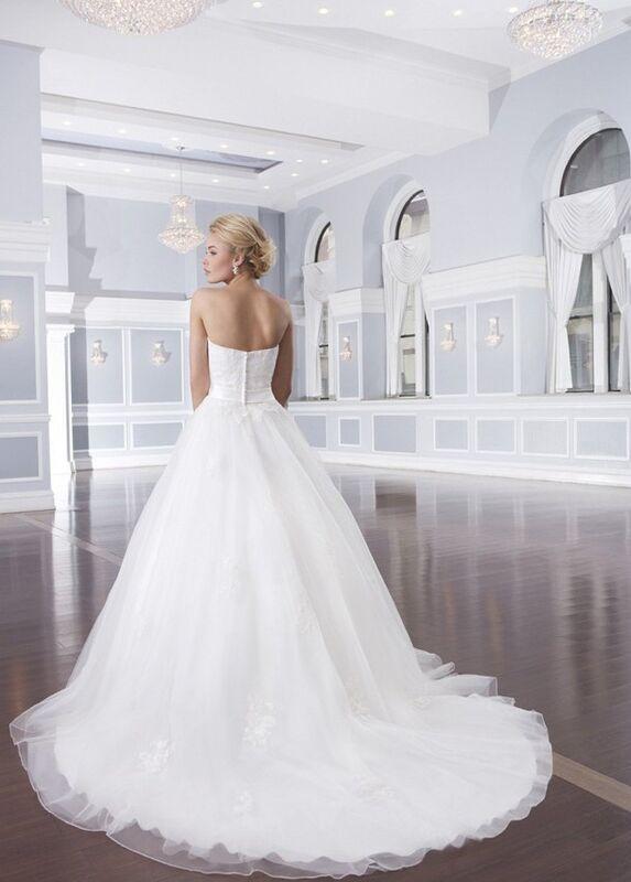 Свадебное платье напрокат Lillian West Платье свадебное «Ainsley» - фото 2