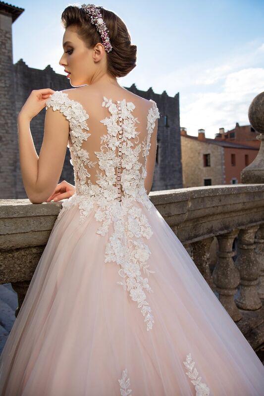 Свадебный салон Bonjour Свадебное платье «Pina» из коллекции LA SENSUALITE 2017 - фото 3