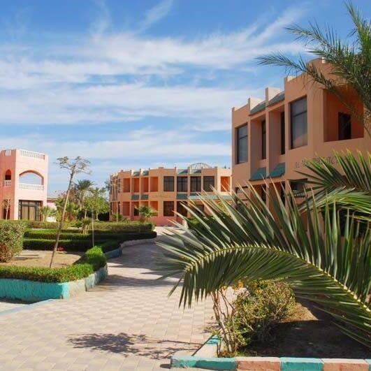 Туристическое агентство Айкью групп Пляжный авиатур в Египет, Хургада, Golden 5 Almas Resort 5*, 7 ночей - фото 1
