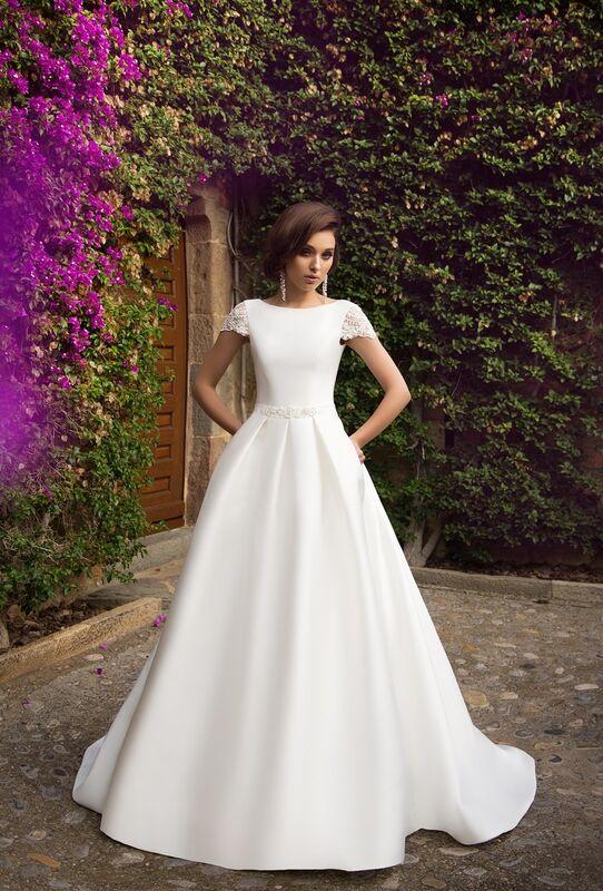 Свадебное платье напрокат Bonjour Платье свадебное «Ksantia» из коллекции LA SENSUALITE 2017 - фото 1