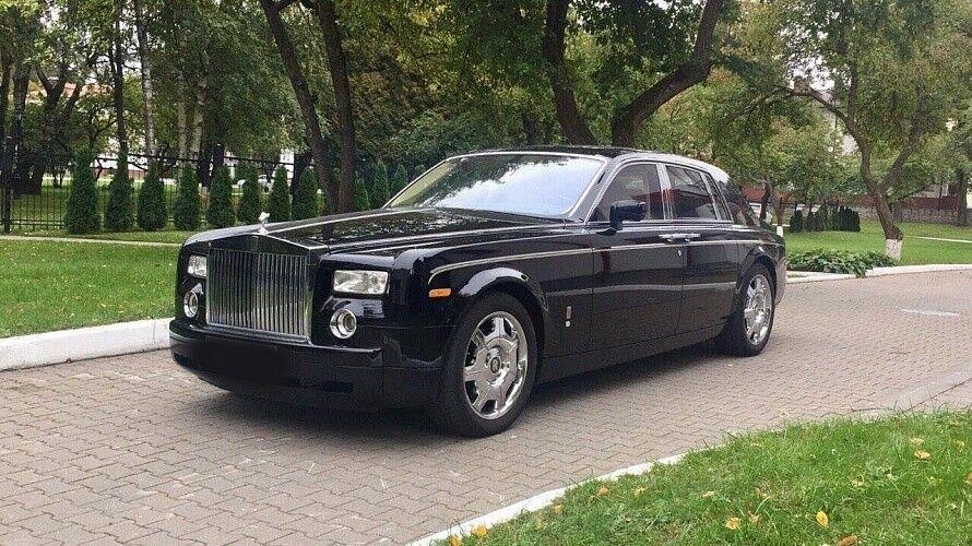 Прокат авто Rolls-Royce Phantom черного цвета - фото 5
