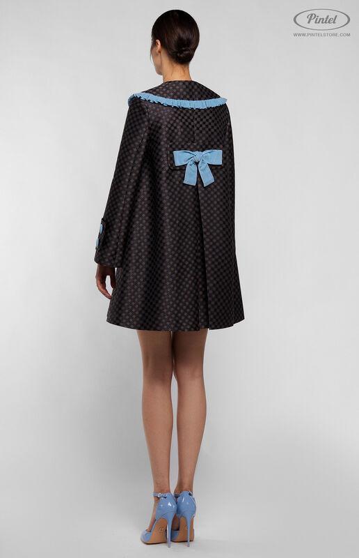 Верхняя одежда женская Pintel™ Комплект из пальто и комбинезона с укороченными шортами Parsis - фото 2