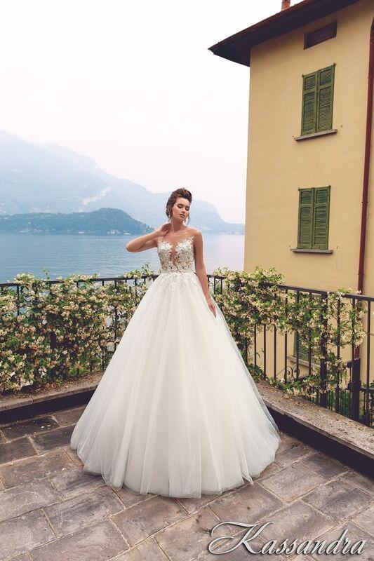 Свадебный салон Bonjour Galerie Свадебное платье Kassandra из коллекции Royal Luxury - фото 2
