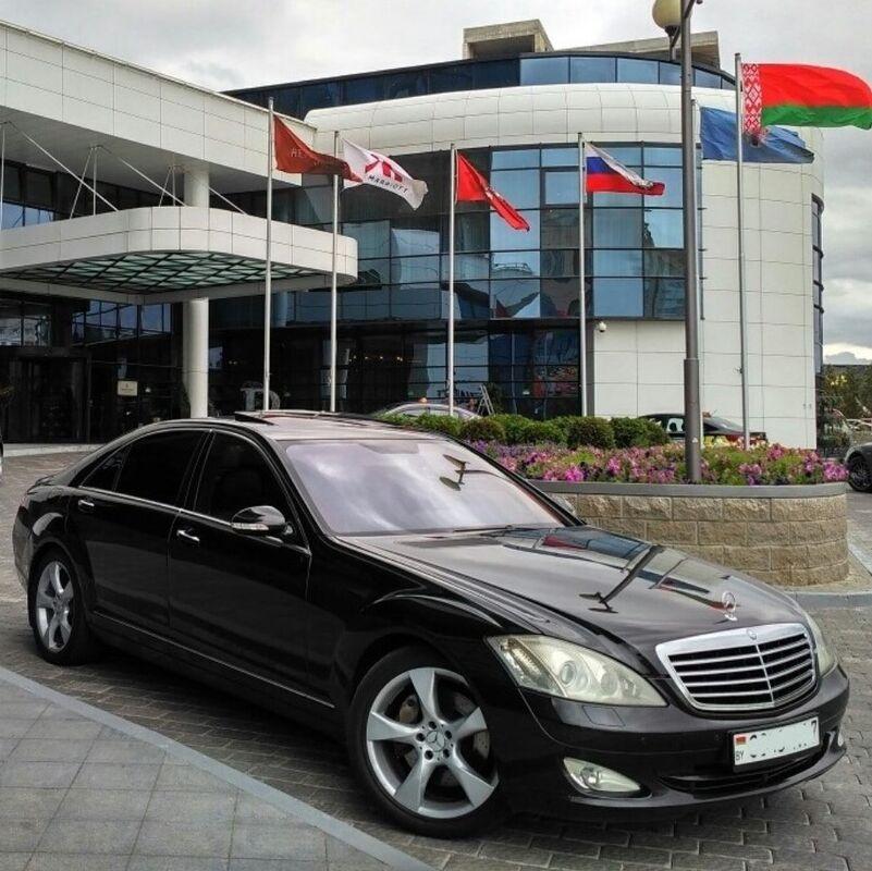 Прокат авто Mercedes-Benz S аренда - фото 1
