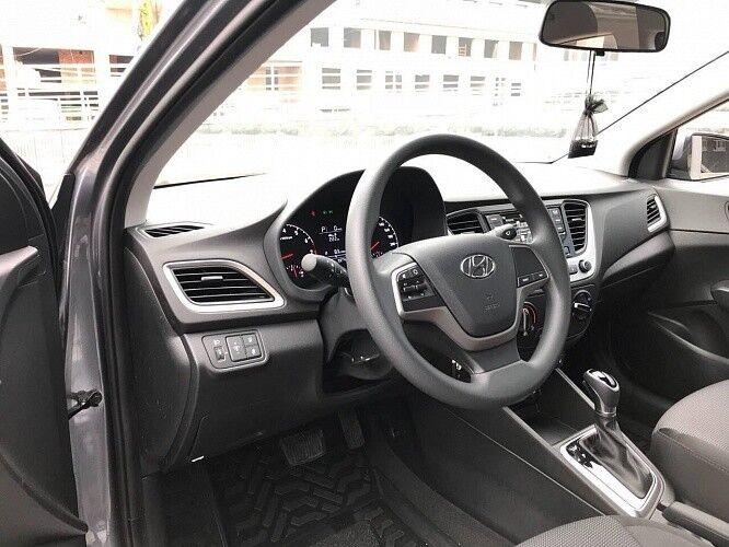 Прокат авто Hyundai Solaris серебристый - фото 3
