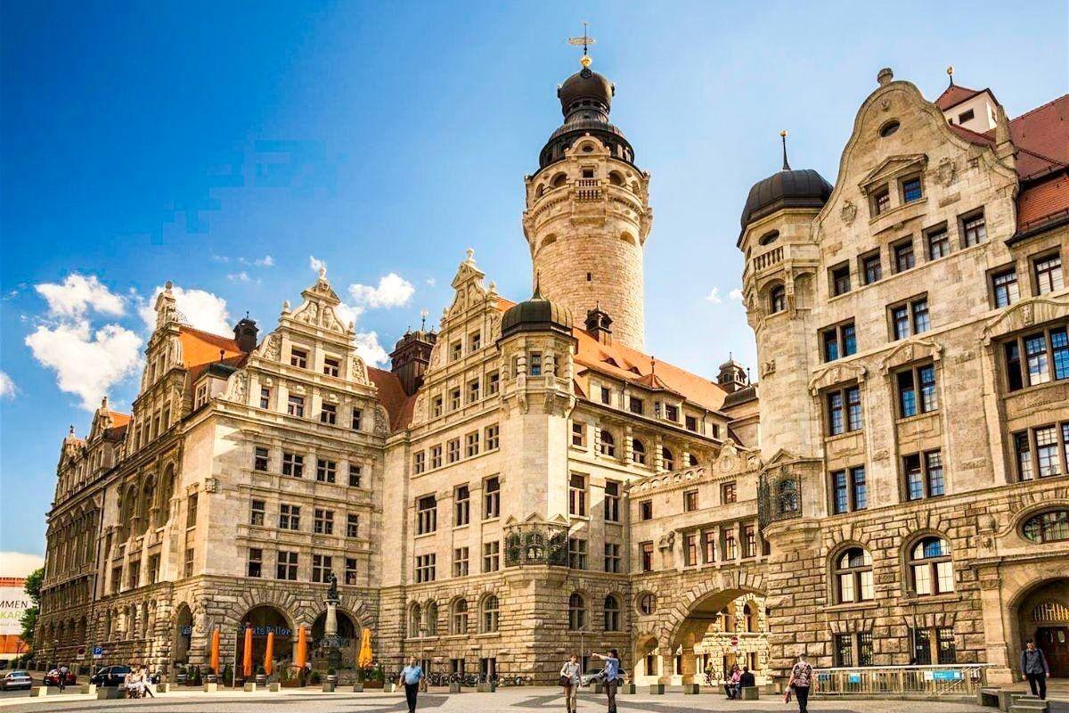 Туристическое агентство Внешинтурист Экскурсионный автобусный тур F10 «В Париж через Германию» - фото 2