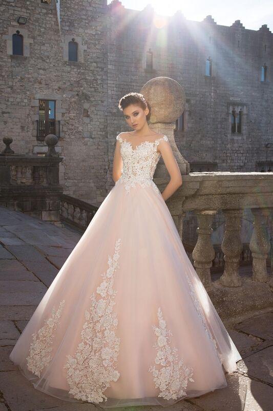 Свадебный салон Bonjour Свадебное платье «Pina» из коллекции LA SENSUALITE 2017 - фото 1