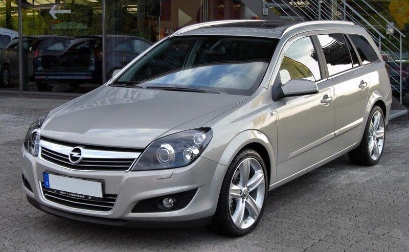 Аренда авто Opel Astra Caravan 2013 года - фото 1