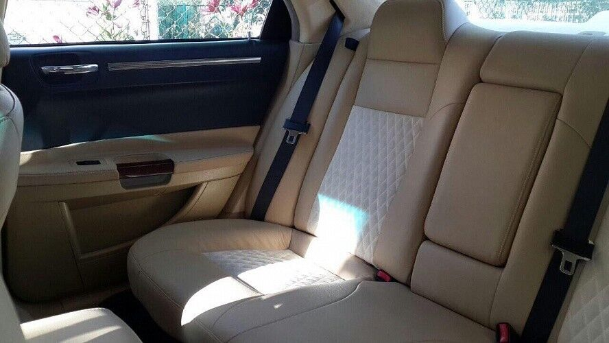 Прокат авто Chrysler 300C White - фото 3