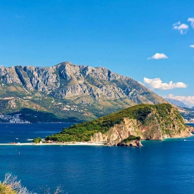 Туристическое агентство ТрейдВояж Автобусный тур с отдыхом на море «Черногория №4», Будва/Бечичи/Сутоморе, Вилла по системе «Фортуна» 3* - фото 1