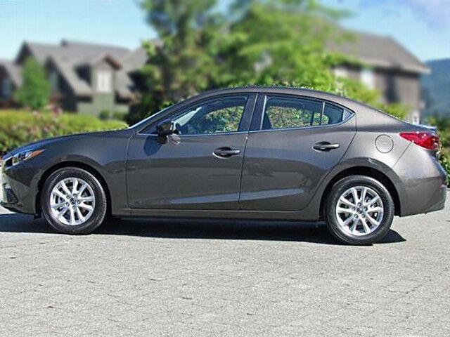 Прокат авто Mazda 3 2015 год - фото 3