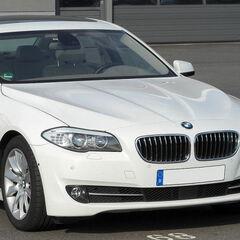 Прокат авто Прокат авто с водителем, BMW 520i (F10) 2013 г. (с водителем)