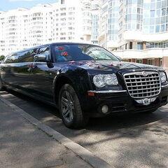 Прокат авто Прокат лимузина Chrysler 300C черного цвета, 10 мест