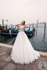 Свадебный салон Bonjour Свадебное платье «Ufem» из коллекции LE DELICE 2018