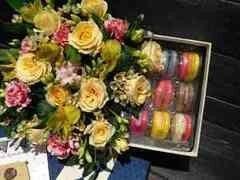 Магазин цветов Cvetok.by Цветочная корзина «Сладкий сон»