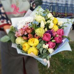 Магазин цветов Прекрасная садовница Букет из роз, твидии и альстромерии
