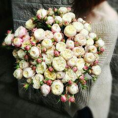 Магазин цветов Прекрасная садовница Букет из кустовой розы Victorian Classic