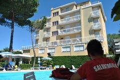 Туристическое агентство United Travel Пляжный отдых. Италия, Римини. Вылет из Минска. Отель Bahama 3*