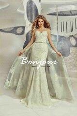 Свадебный салон Bonjour Свадебное платье «Olivia» из коллекции LAMBRE 2017