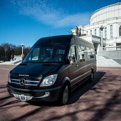 Прокат авто Аренда микроавтобуса Mercedes-Benz Sprinter Black Business