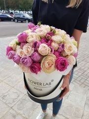Магазин цветов Cvetok.by Коробочка «Мисти баблз и пионовидная роза»