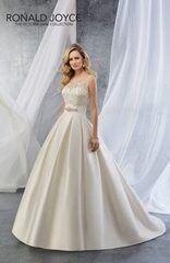 Свадебное платье напрокат Ronald Joyce Свадебное платье 18055
