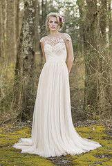 Свадебное платье напрокат Lillian West Свадебное платье 6470