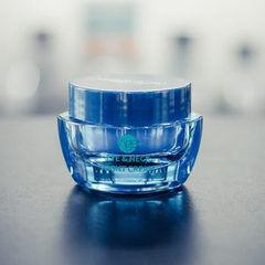Уход за лицом Mon Platin Ночной крем для кожи вокруг глаз и шеи c лифтинг комплексом Lactomide, коллагеном и гиалуроновой кислотой 50 мл