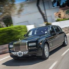 Прокат авто Прокат авто с водителем, Rolls-Royce Phantom черного цвета