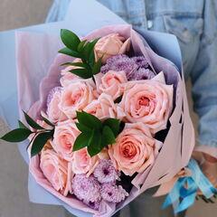 Магазин цветов Кошык кветак Букет классический из роз, хризантемы, рускуса